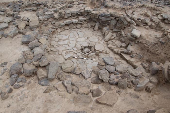 Фрагменты древней постройки на северо-востоке Иордании. /Фото:humanities.ku.dk